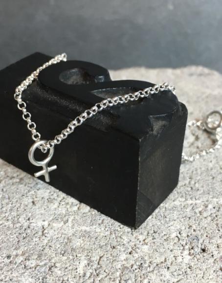 Wild & Arrow - Minna Feminist Bracelet, Silver