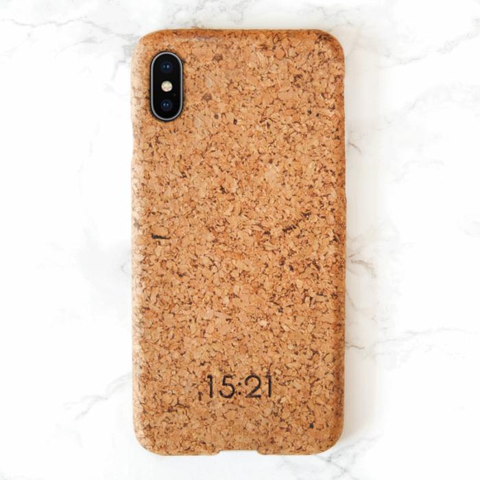 15:21 - iPhoneskal i kork, X & XS